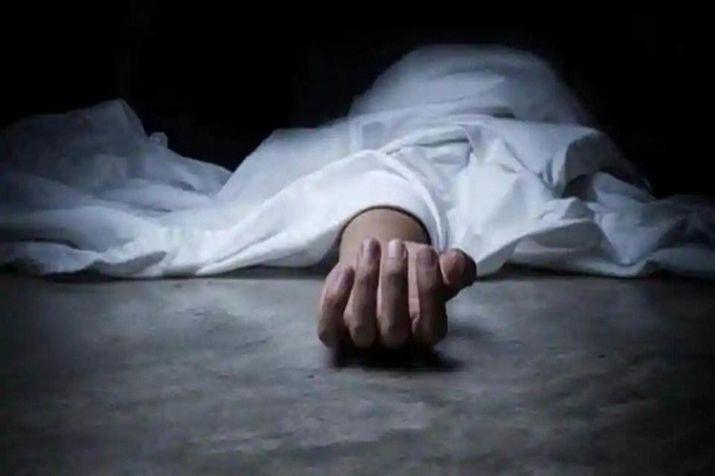 इलाममा पत्नी र छोरीको टोकेर हत्या